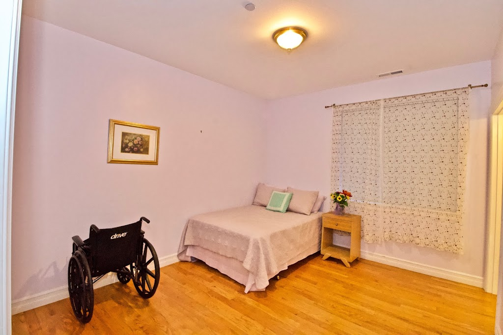 Novelty Hill Adult Family Home - health  | Photo 4 of 10 | Address: 18446 NE 95th St, Redmond, WA 98052, USA | Phone: (206) 941-4122