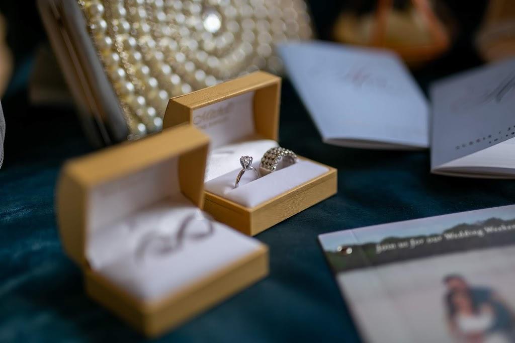 Mitchells Jewelers - jewelry store    Photo 4 of 6   Address: 2454 Mill St, Aliquippa, PA 15001, USA   Phone: (724) 375-8559