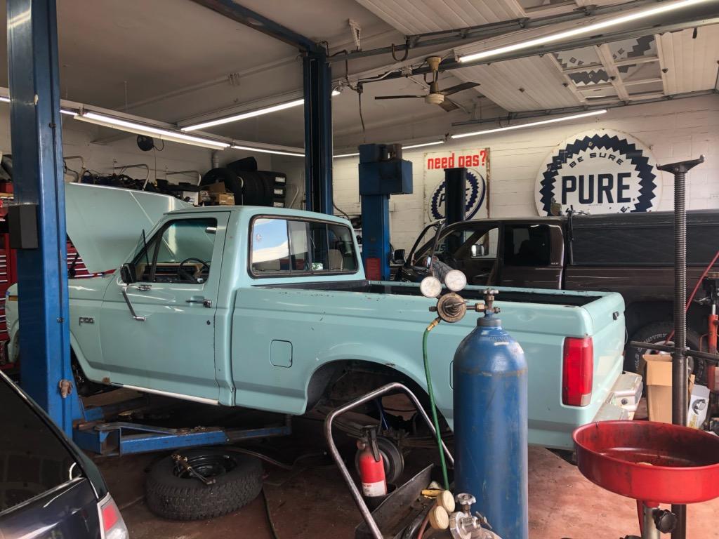 Coopers Garage - car repair    Photo 5 of 10   Address: 21244 Van Born Rd, Dearborn Heights, MI 48125, USA   Phone: (313) 278-0408