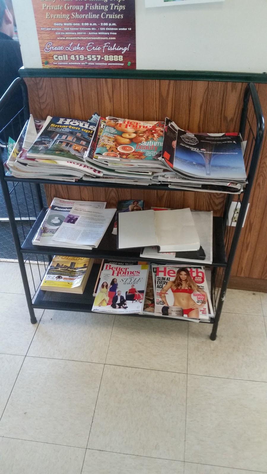 Major Kleen Laundromat - laundry    Photo 3 of 7   Address: 4044 Airport Hwy, Toledo, OH 43615, USA   Phone: (419) 381-0617