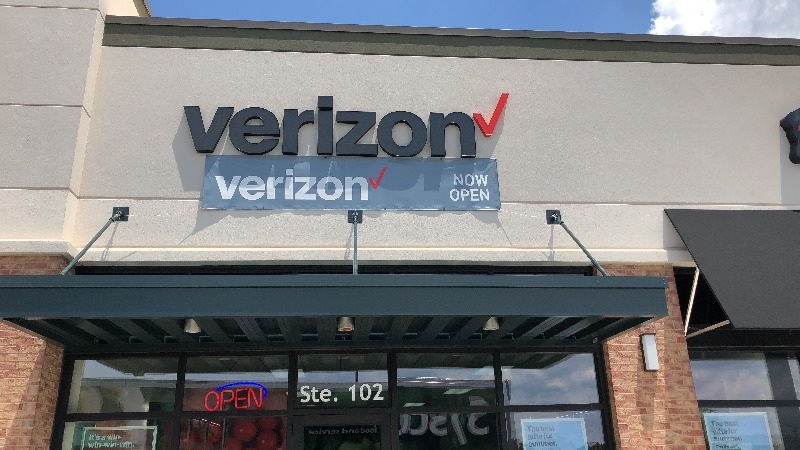 Verizon Authorized Retailer - Victra - store  | Photo 5 of 10 | Address: 7716 Charlotte Hwy Ste 102, Indian Land, SC 29707, USA | Phone: (803) 223-7124
