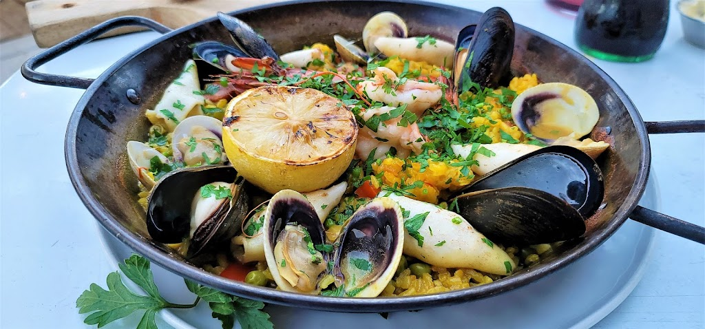 Valentina Restaurant - restaurant  | Photo 4 of 10 | Address: 810 N Coast Hwy 101, Encinitas, CA 92024, USA | Phone: (760) 943-6686