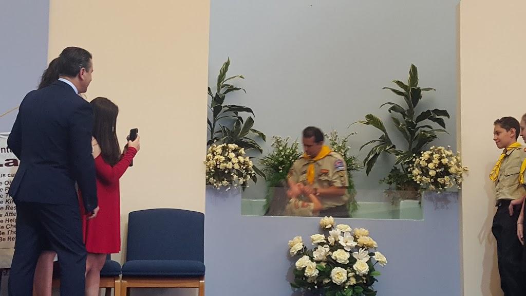 New York Luso Brazilian SDA Church - church    Photo 5 of 10   Address: 96-11 34th Ave, Corona, NY 11368, USA   Phone: (718) 651-4270