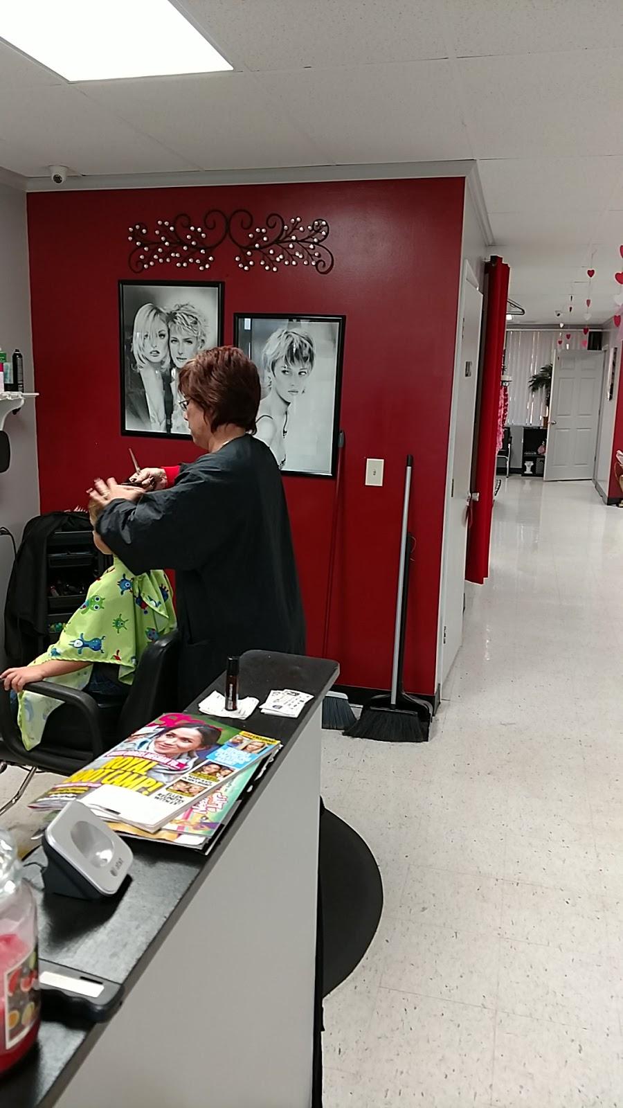Cutz n Clips 2 - hair care  | Photo 9 of 10 | Address: 35360 FL-54, Zephyrhills, FL 33541, USA | Phone: (813) 782-8888
