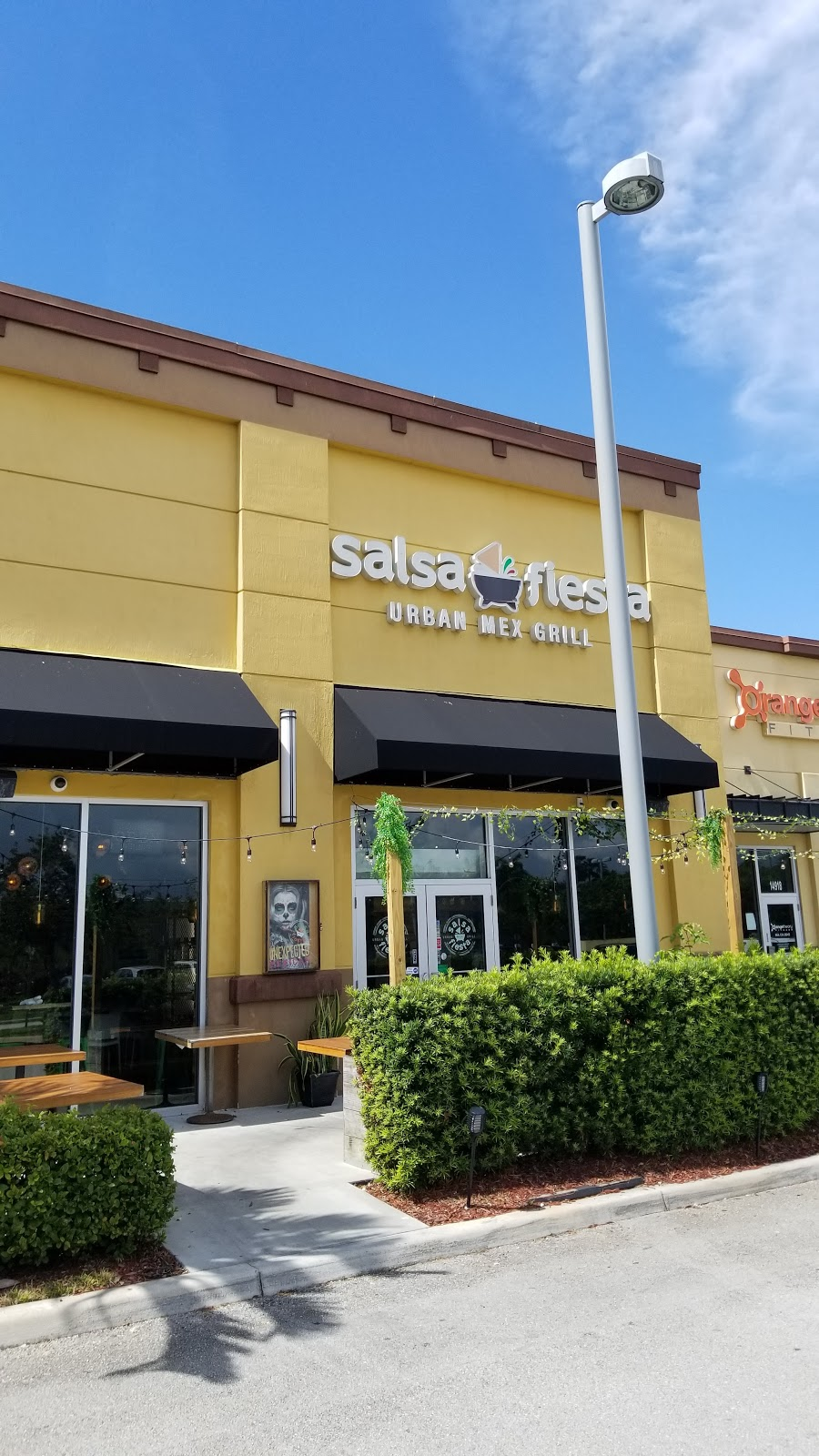Salsa Fiesta - restaurant  | Photo 6 of 10 | Address: Cobblestone Plaza, 14914 Pines Blvd, Pembroke Pines, FL 33027, USA | Phone: (954) 432-0005