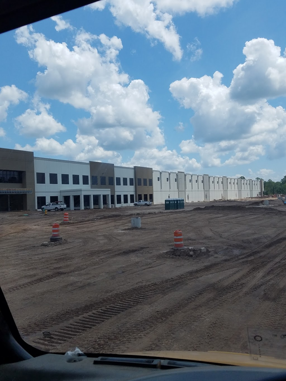 Amazon Fulfilment Center - storage  | Photo 8 of 10 | Address: 32210, 13333 103rd St, Jacksonville, FL 32221, USA | Phone: (855) 440-7663