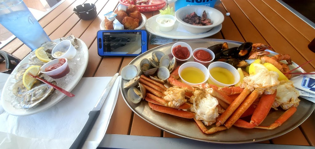 CP Shuckers Cafe & Raw Bar - restaurant  | Photo 4 of 10 | Address: 3232 Shore Dr, Virginia Beach, VA 23451, USA | Phone: (757) 412-2929