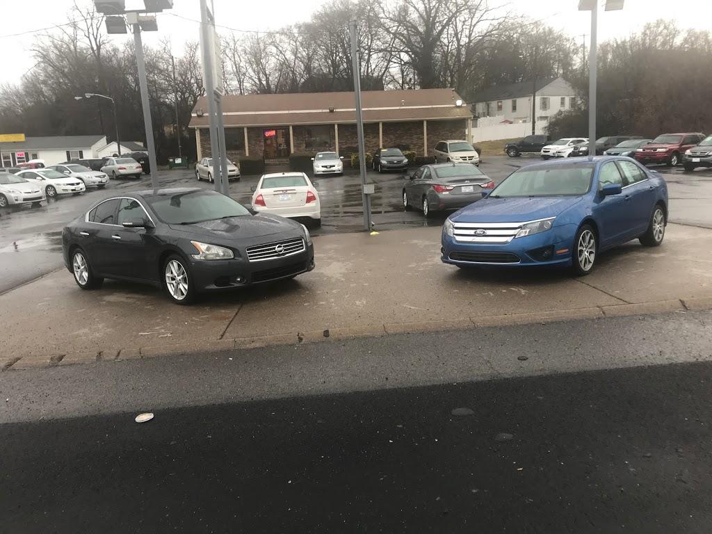 North Lake Bargain Center - car dealer    Photo 3 of 3   Address: 738 W Main St, Hendersonville, TN 37075, USA   Phone: (615) 822-4446