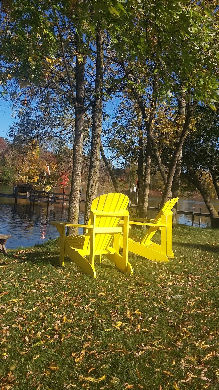 Chippawa Boat Ramp & Naisbitt Parkette - park    Photo 9 of 10   Address: 4379 Lyons Creek Rd, Niagara Falls, ON L2G, Canada, Canada   Phone: (905) 356-7521 ext. 3330