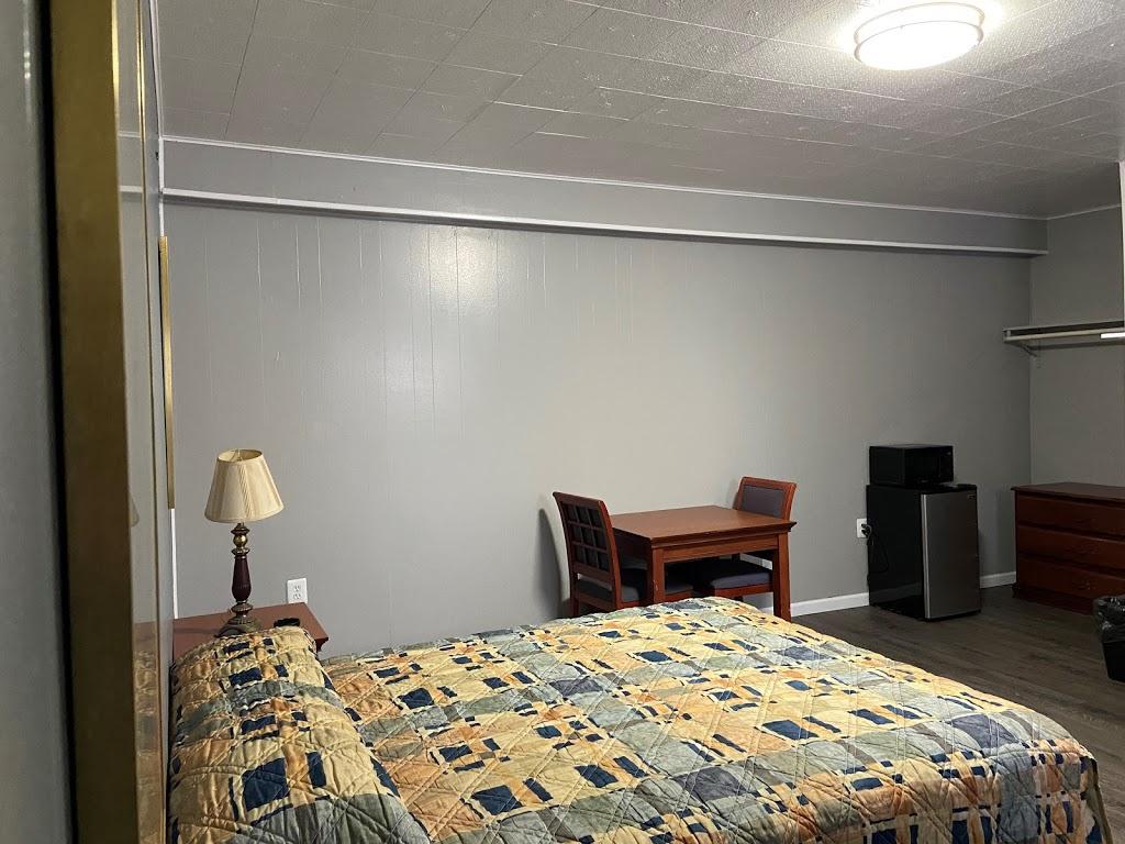 Ruth Motel - lodging  | Photo 6 of 6 | Address: 35425 Jefferson Ave, Harrison Charter Township, MI 48045, USA | Phone: (586) 791-2300