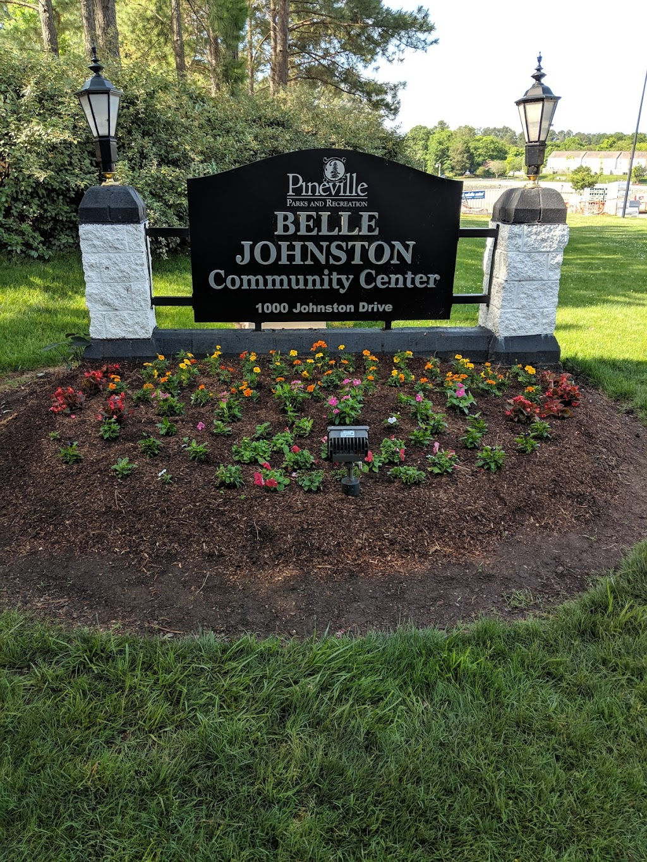 Belle Johnston Community Center - park    Photo 6 of 10   Address: 1000 Johnston Dr, Pineville, NC 28134, USA   Phone: (704) 889-2400