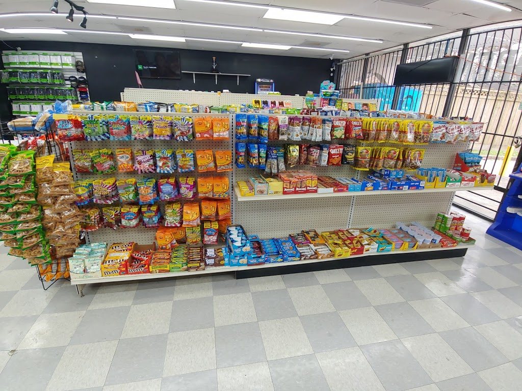 The New B & G Food Store - convenience store  | Photo 3 of 10 | Address: Hughes Rd, Houston, TX 77089, USA | Phone: (832) 230-4195