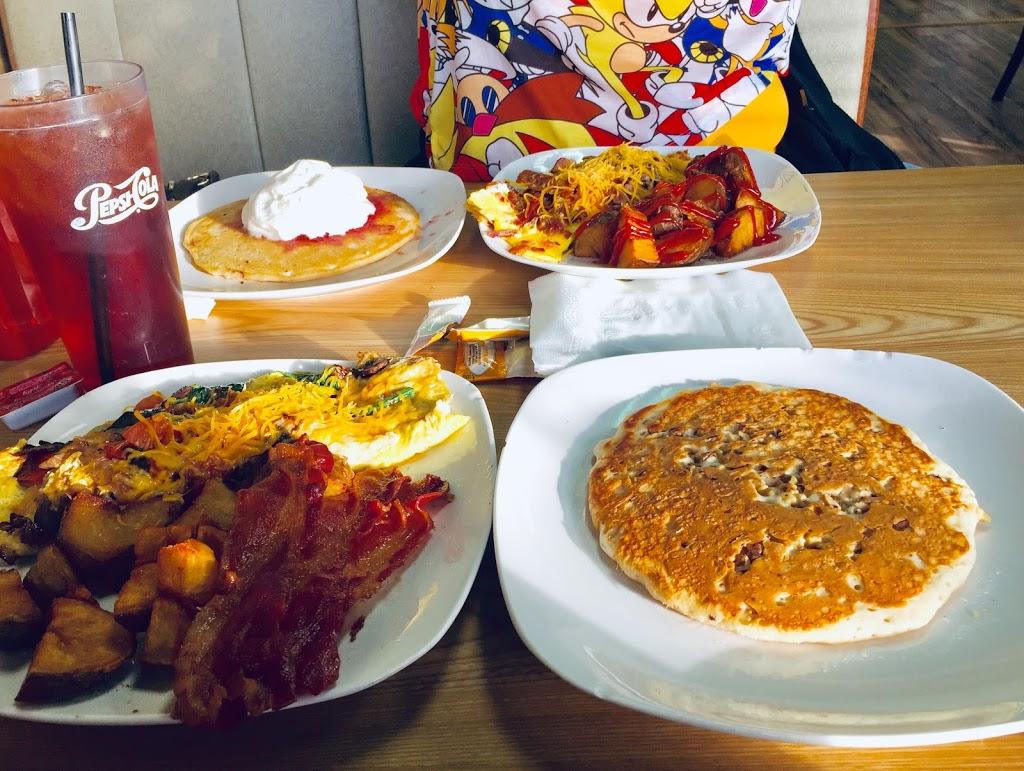 Alekos Kitchen - restaurant  | Photo 8 of 10 | Address: 3281 S Church St, Burlington, NC 27215, USA | Phone: (336) 350-7878