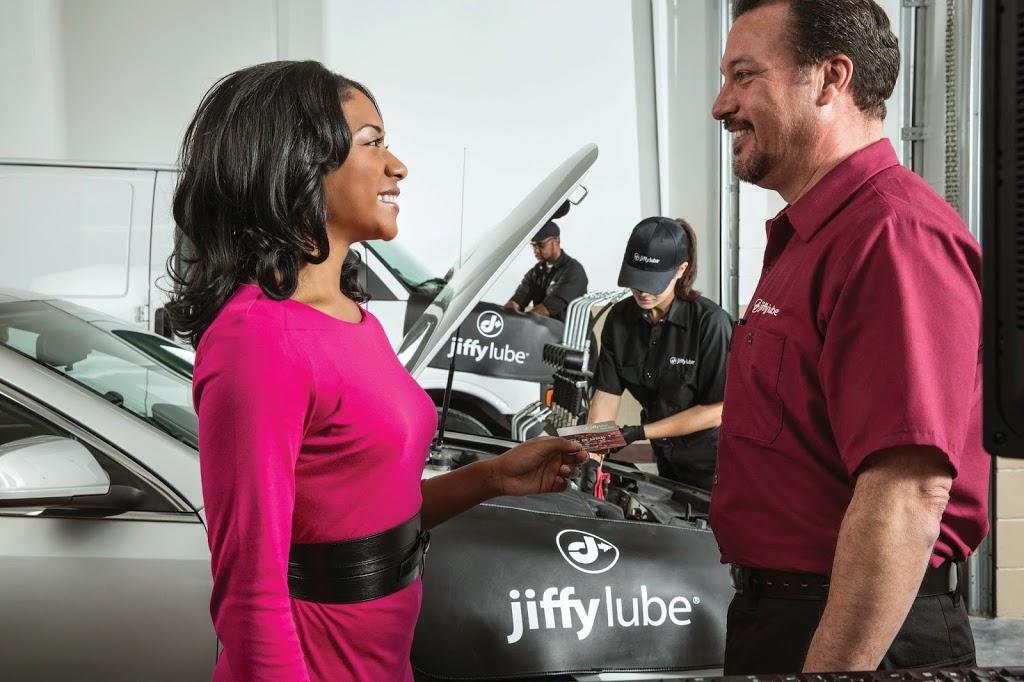 Jiffy Lube - car repair  | Photo 5 of 8 | Address: 1534 Vierling Dr E, Shakopee, MN 55379, USA | Phone: (952) 496-0922