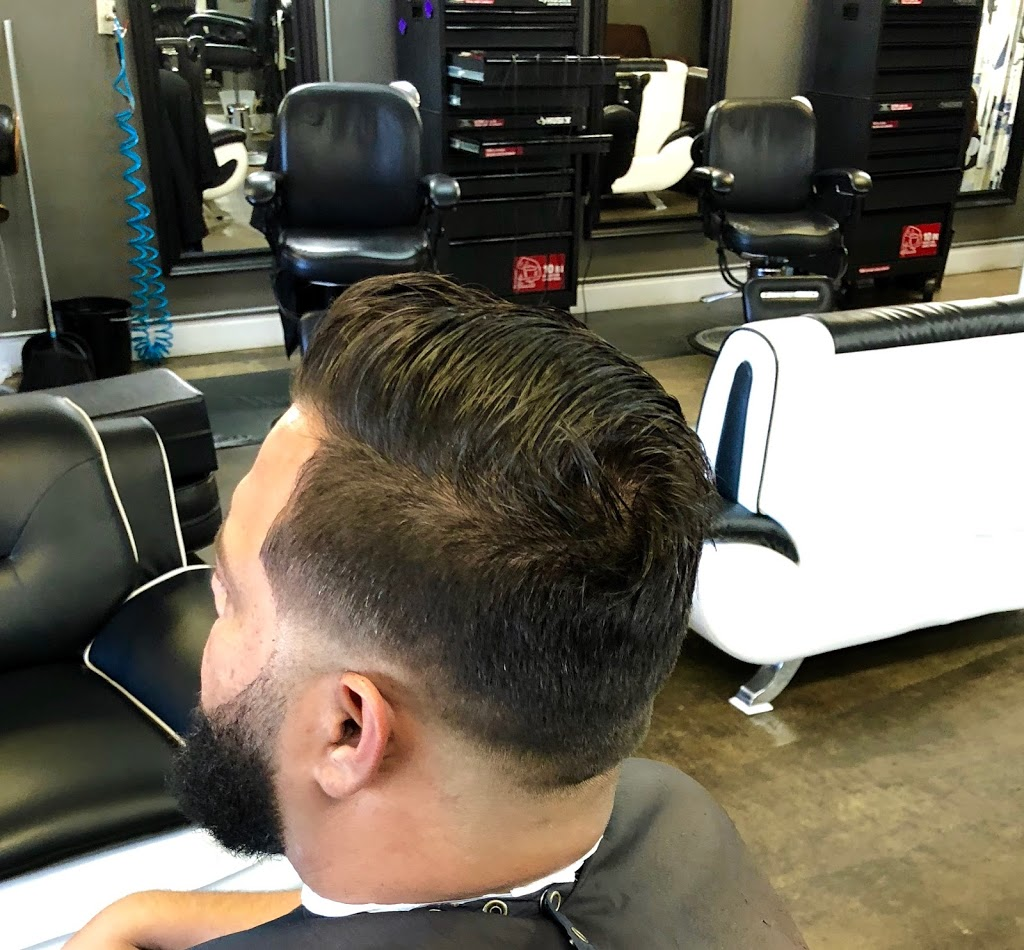 Full Fledge Barber & Beauty Salon - hair care  | Photo 3 of 10 | Address: 3400 S Watson Rd #106, Arlington, TX 76014, USA | Phone: (972) 639-2258
