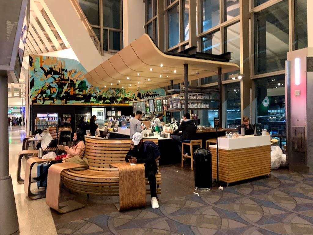 Starbucks - cafe  | Photo 4 of 10 | Address: 1 World Way LAX T4-Baggage Claim, Los Angeles, CA 90045, USA | Phone: (310) 665-9445