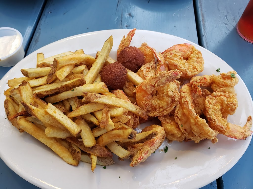 The Blue Crab Restaurant and Oyster Bar - restaurant  | Photo 6 of 10 | Address: 7900 Lakeshore Dr, New Orleans, LA 70124, USA | Phone: (504) 284-2898