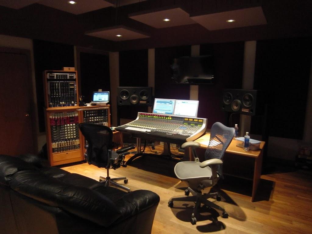 Wild Sound Recording Studio - electronics store    Photo 1 of 10   Address: 2400 NE 2nd St, Minneapolis, MN 55418, USA   Phone: (612) 706-0815