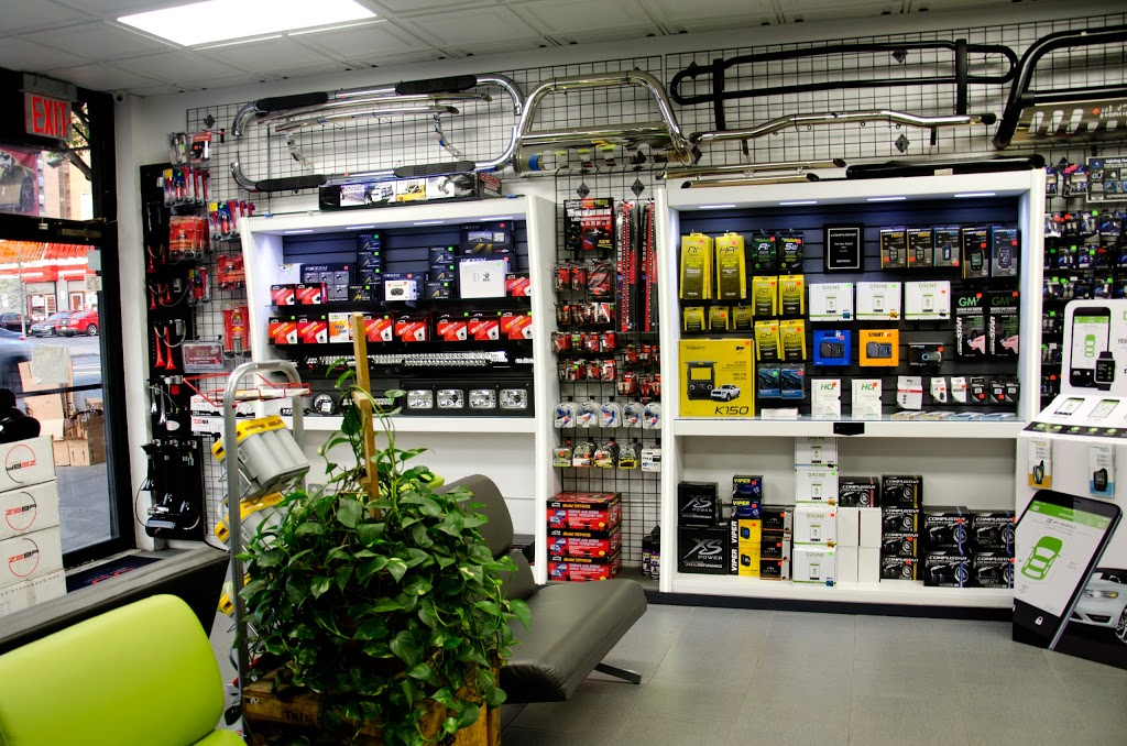 Audiomaxx - electronics store    Photo 5 of 10   Address: 528 E Fordham Rd, Bronx, NY 10458, USA   Phone: (718) 933-5636