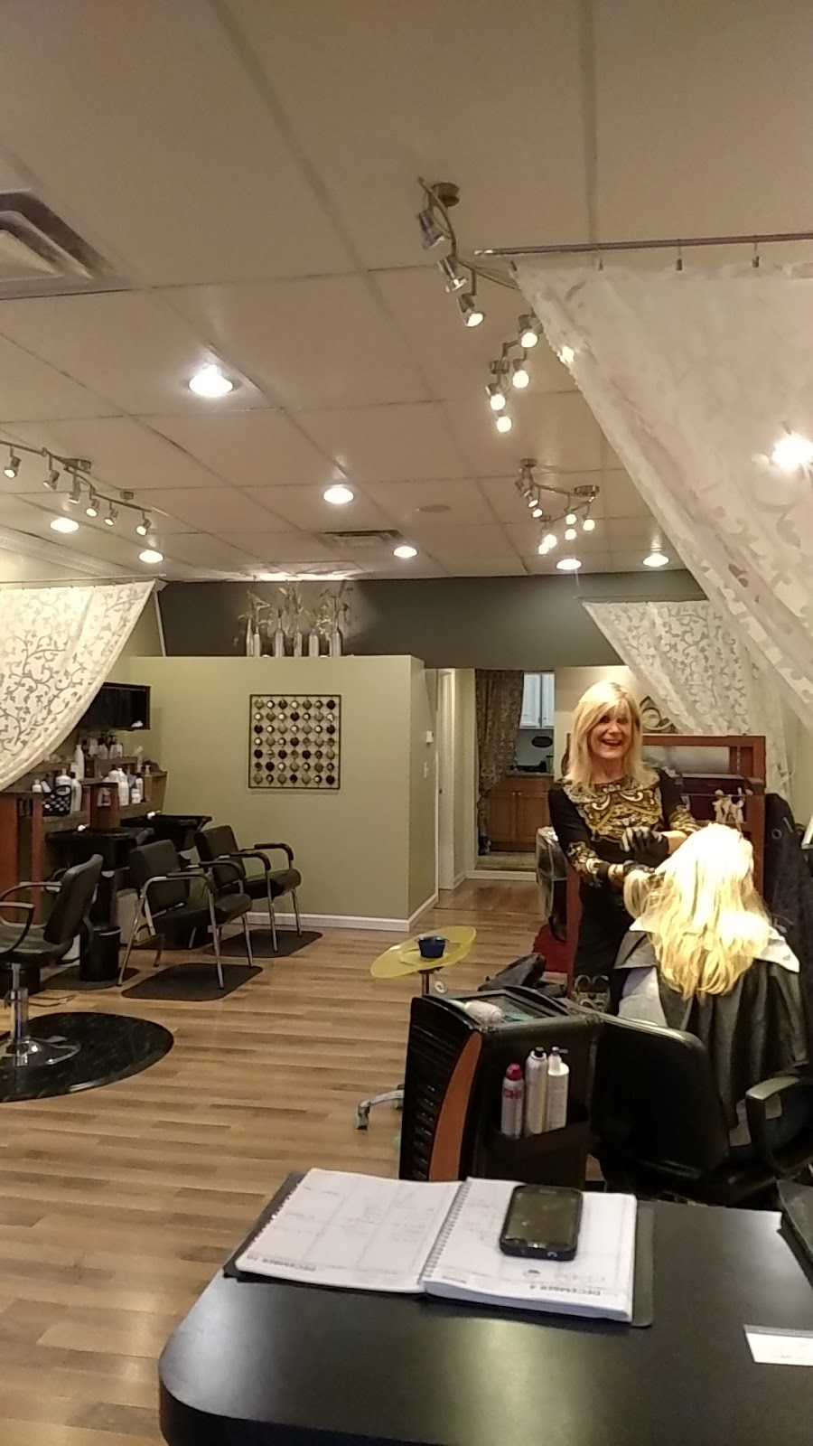 Full Circle Salon - hair care  | Photo 1 of 1 | Address: 6606 Lincoln Ave, Lockport, NY 14094, USA | Phone: (716) 438-0608