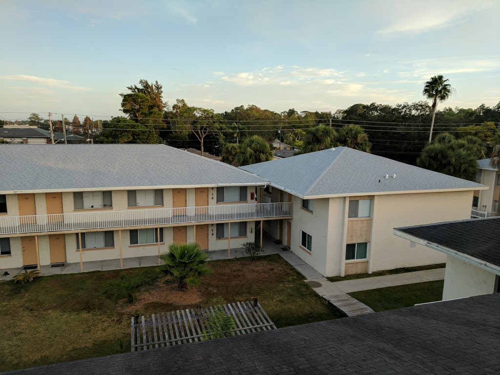 Alvarez Roofing Services - roofing contractor    Photo 6 of 10   Address: 13101 Automobile Blvd, Clearwater, FL 33762, USA   Phone: (727) 235-1378