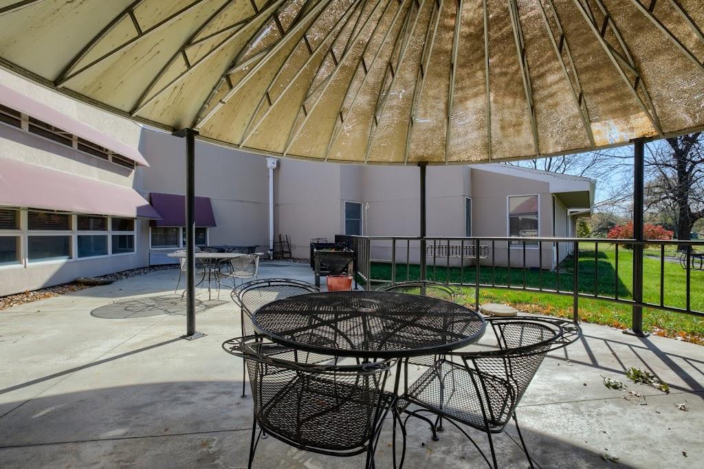 Merriam Gardens Healthcare & Rehab - health  | Photo 8 of 10 | Address: 9700 W 62nd St, Shawnee, KS 66203, USA | Phone: (913) 384-0800