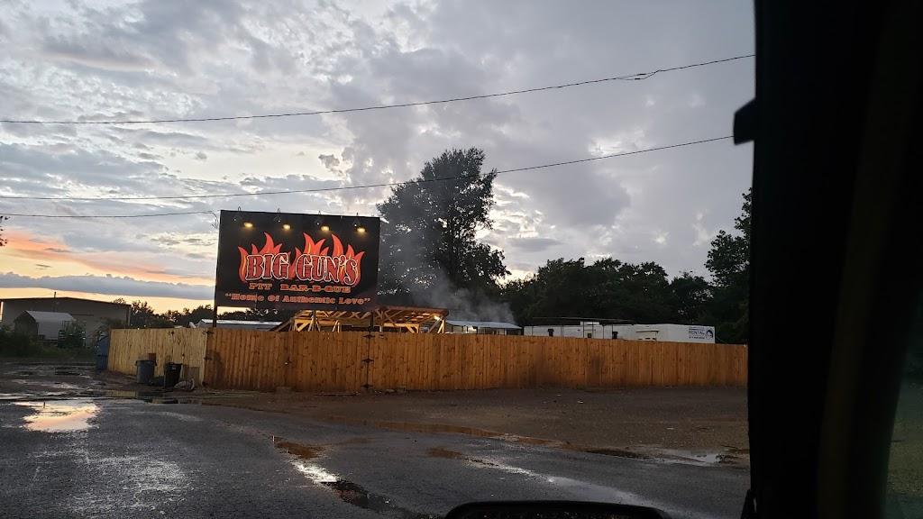 Big Guns Pit BBQ - restaurant    Photo 3 of 10   Address: 2 Flowers Trail, Marion, AR 72364, USA   Phone: (870) 559-4175
