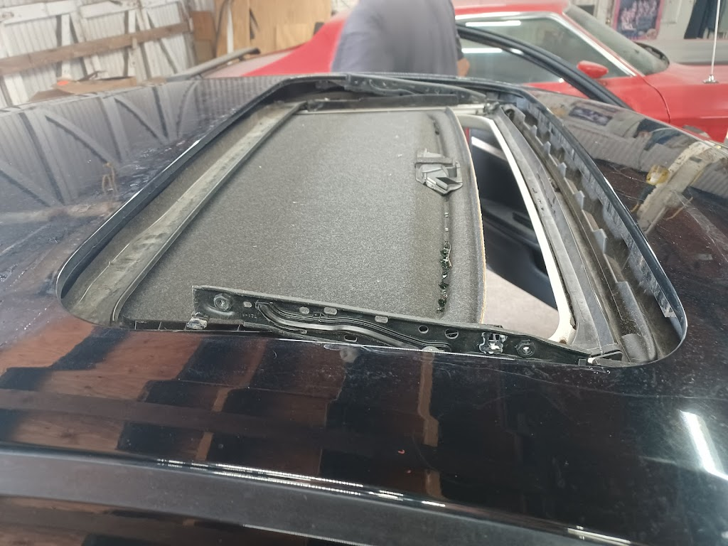 Westside Trim & Glass - car repair  | Photo 2 of 9 | Address: 2117 White Settlement Rd, Fort Worth, TX 76107, USA | Phone: (817) 334-0090