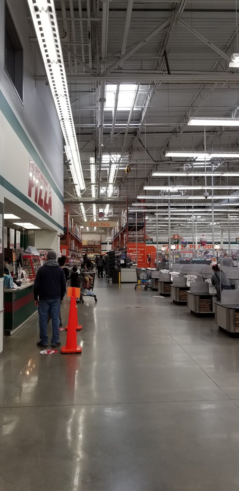 WinCo Foods - supermarket    Photo 2 of 10   Address: 1004 S Peach Ave #69, Fresno, CA 93727, USA   Phone: (559) 251-1002