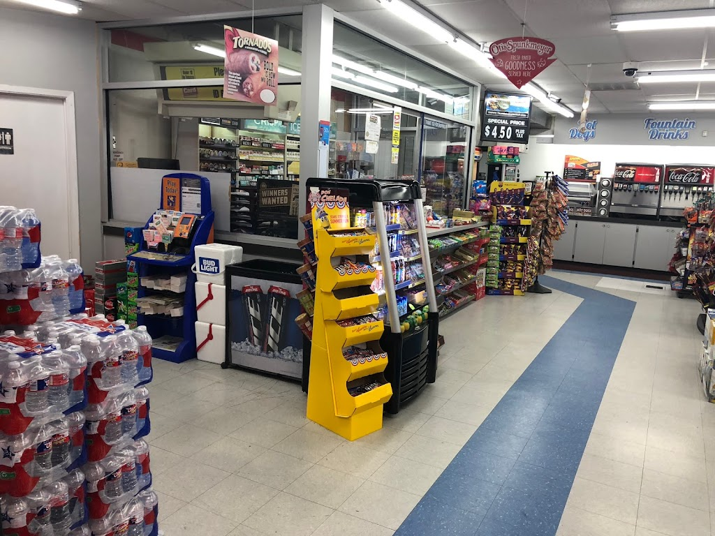 Exxon - gas station  | Photo 1 of 7 | Address: 2850 FM 528 Rd, Alvin, TX 77511, USA | Phone: (281) 331-2233