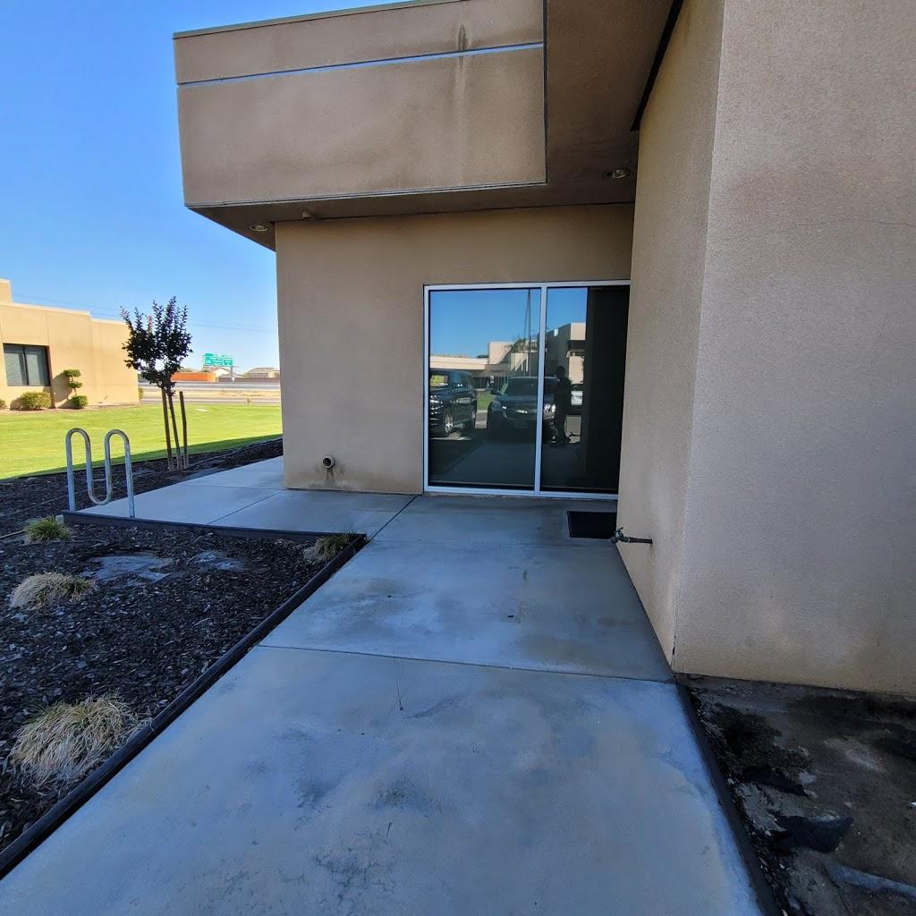 Madera County Hospital - hospital    Photo 4 of 10   Address: 1250 E Almond Ave, Madera, CA 93637, USA   Phone: (559) 675-5555
