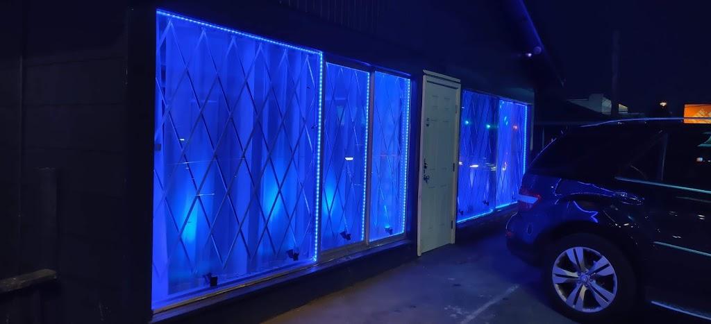 Sunshine Hookah Lounge - night club  | Photo 2 of 2 | Address: 11740 Aurora Ave N, Seattle, WA 98133, USA | Phone: (206) 383-9553
