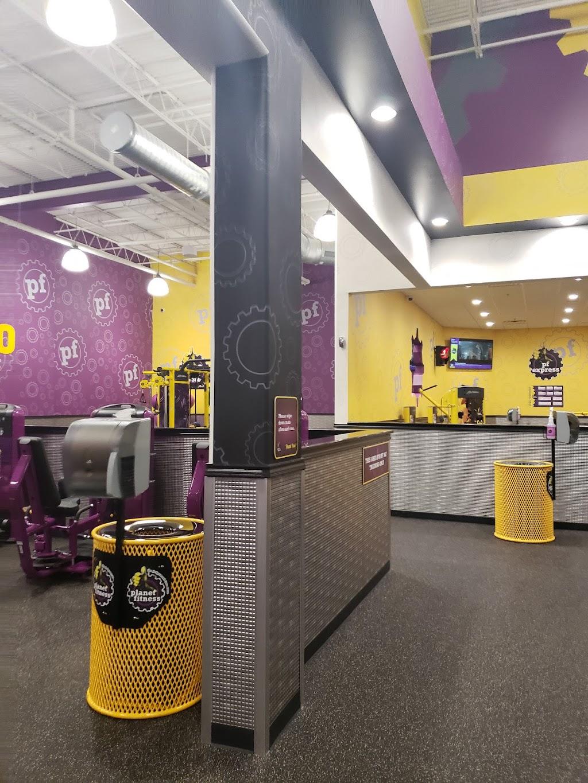 Planet Fitness - gym  | Photo 3 of 10 | Address: 664 Grapevine Hwy ste a, Hurst, TX 76054, USA | Phone: (682) 348-0328