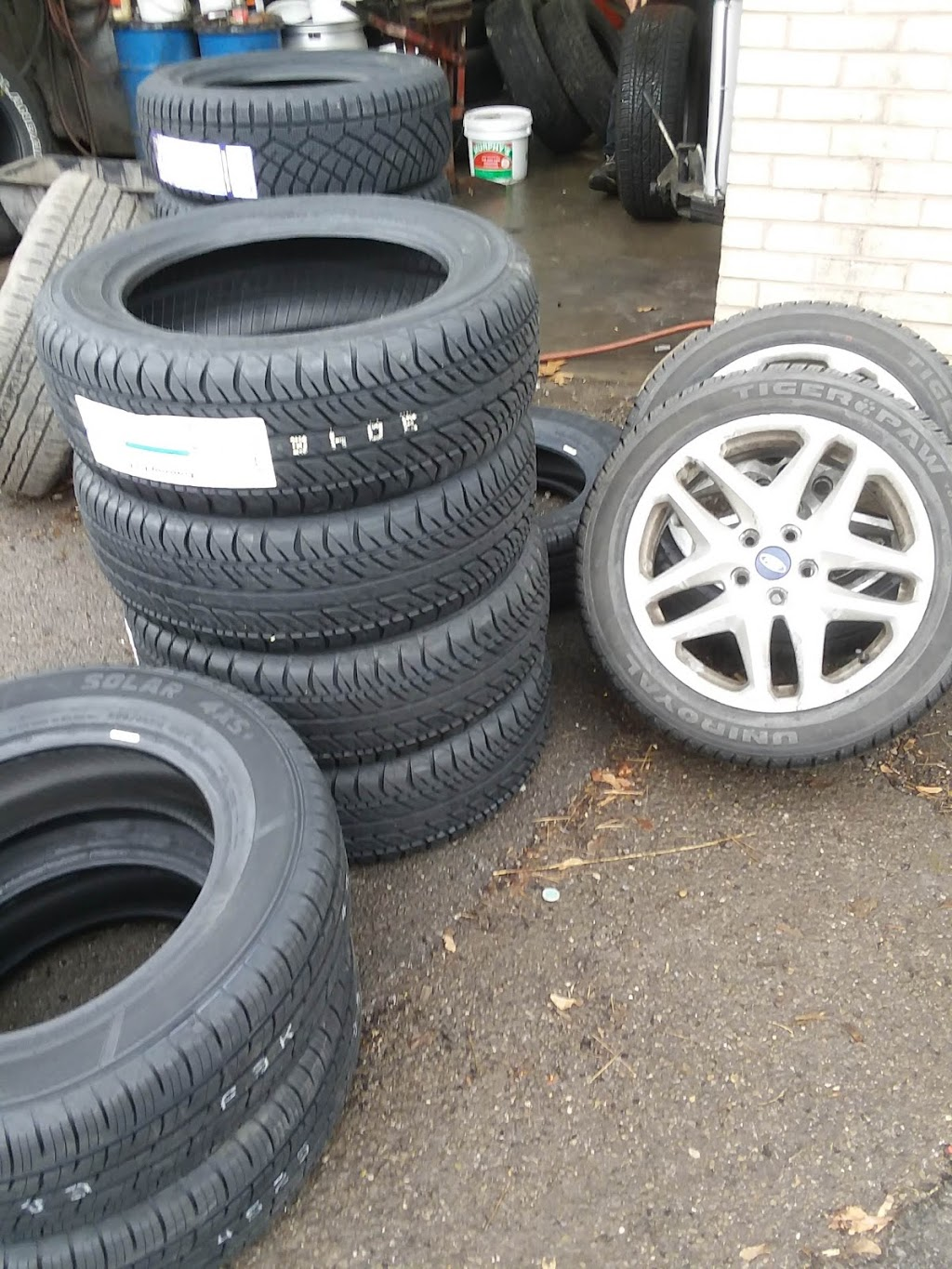 Best Deal Tire Center - car repair    Photo 4 of 7   Address: 89 Clever Rd, McKees Rocks, PA 15136, USA   Phone: (412) 331-1012