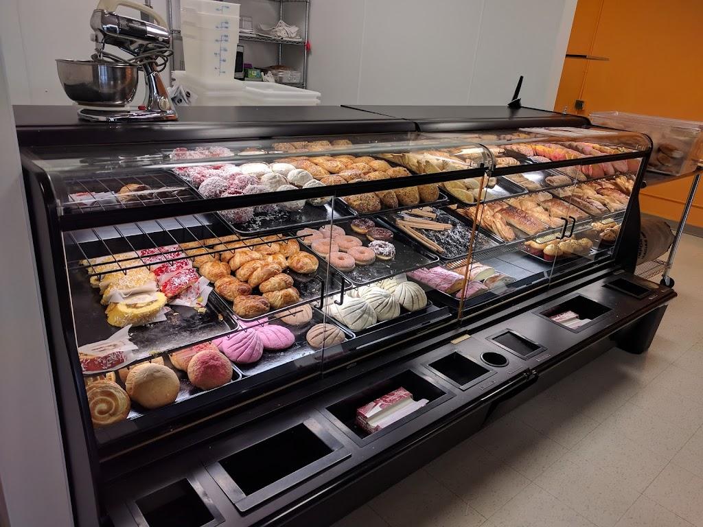 La Bamba - Mexican Style Bakery and Groceries - bakery  | Photo 4 of 10 | Address: 4 Shady Oak Rd S, Hopkins, MN 55343, USA | Phone: (952) 426-3287