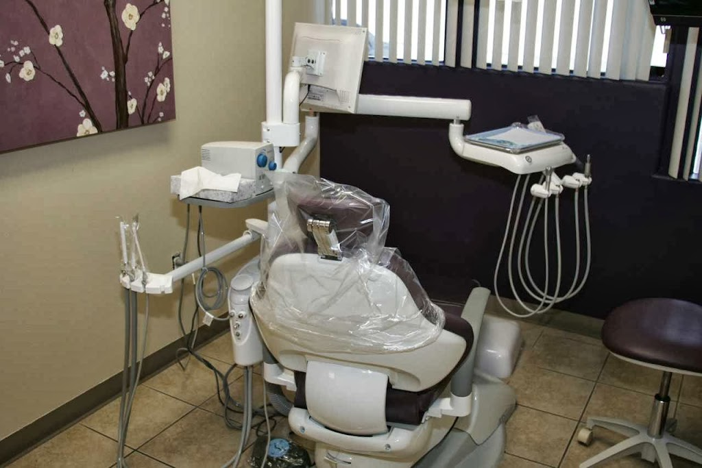 FreeDentistMatch.com - dentist    Photo 3 of 4   Address: 2502 S Bristol St, Santa Ana, CA 92704, USA   Phone: (800) 453-1388