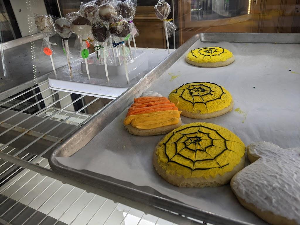 Ideal Bakery - bakery  | Photo 2 of 10 | Address: 101 W Madison St, Gibsonburg, OH 43431, USA | Phone: (419) 637-2639