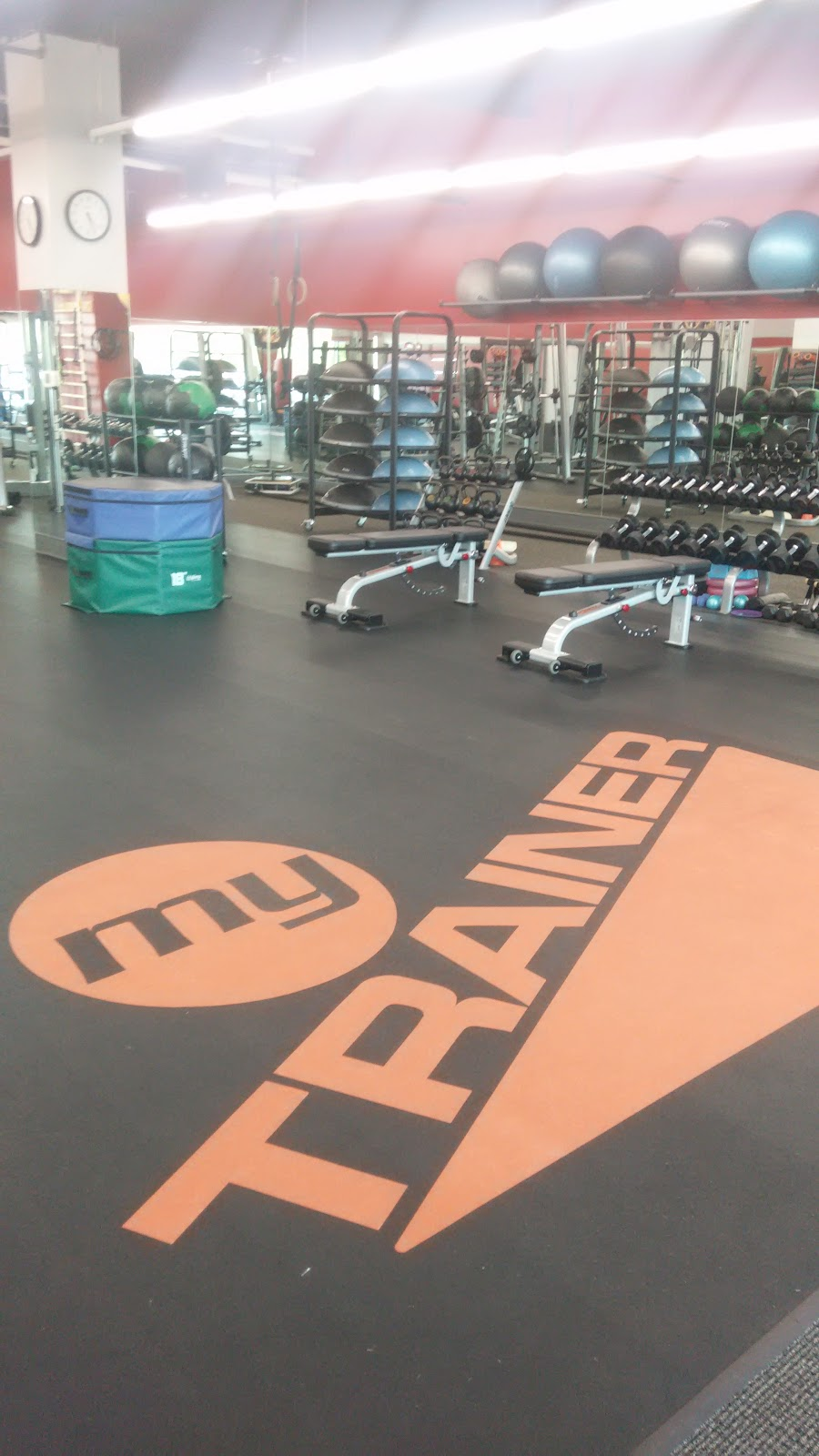 Revive Fitness - gym  | Photo 3 of 8 | Address: 2724 Dundee Rd #1, Northbrook, IL 60062, USA | Phone: (847) 780-4421