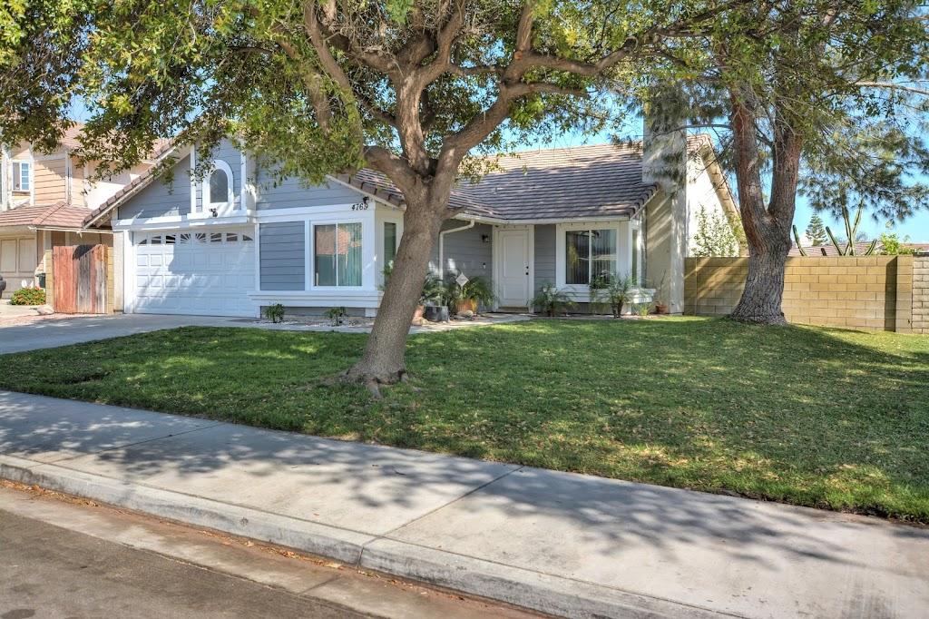 Esmeralda Nunez Century 21 King The Acevedo Team - real estate agency  | Photo 2 of 10 | Address: 8338 Day Creek Blvd Ste 102, Rancho Cucamonga, CA 91739, USA | Phone: (909) 758-4840