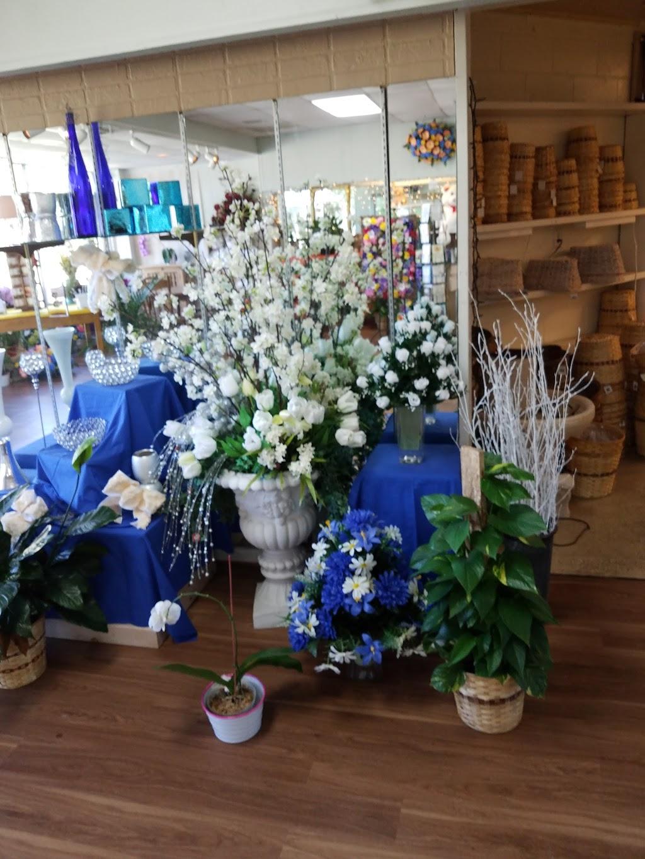 Pollards Florist - florist  | Photo 4 of 10 | Address: 609 Harpersville Rd, Newport News, VA 23601, USA | Phone: (757) 595-7661