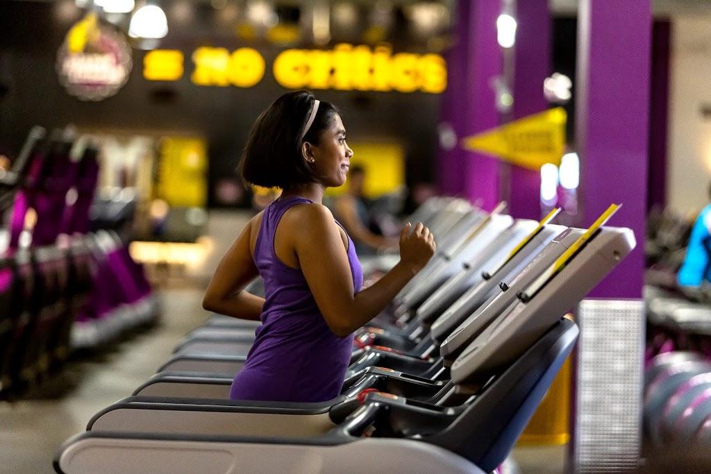Planet Fitness - gym    Photo 8 of 10   Address: 8921 N 7th St, Phoenix, AZ 85020, USA   Phone: (480) 745-2710