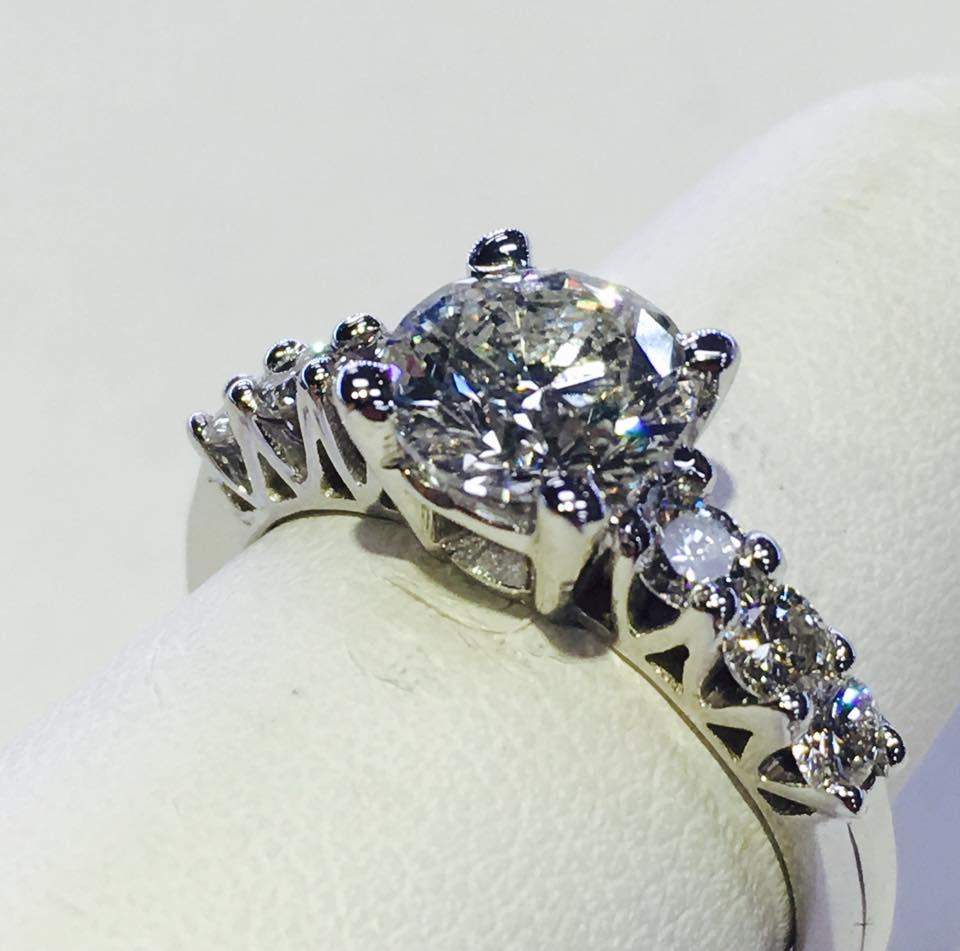 The Jewelry Workshop - jewelry store    Photo 2 of 10   Address: 36175 E Lake Rd S, Palm Harbor, FL 34685, USA   Phone: (727) 781-8757