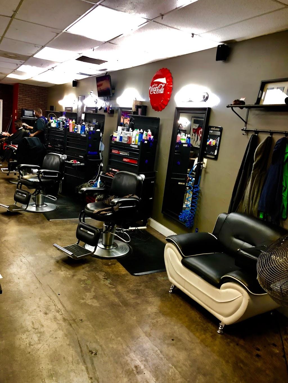 Full Fledge Barber & Beauty Salon - hair care  | Photo 5 of 10 | Address: 3400 S Watson Rd #106, Arlington, TX 76014, USA | Phone: (972) 639-2258