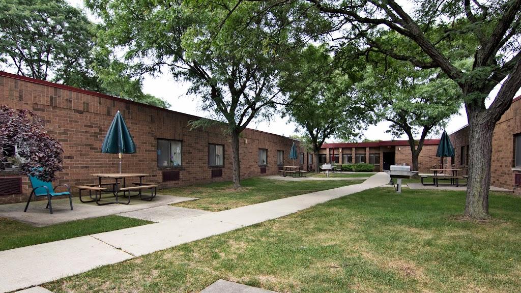 Arbor Inn - health    Photo 4 of 5   Address: 14030 E 14 Mile Rd, Warren, MI 48088, USA   Phone: (586) 296-3260