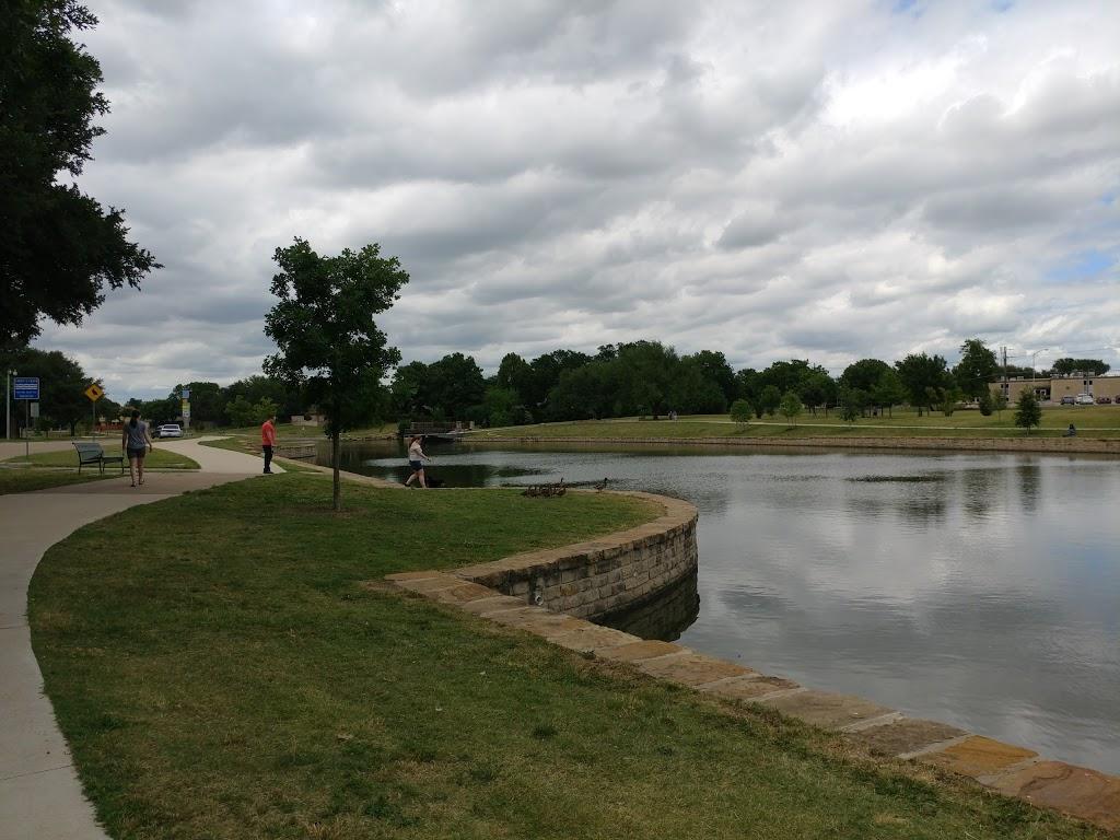 Big Lake Park - park  | Photo 6 of 10 | Address: 3800 Rainier Rd, Plano, TX 75023, USA | Phone: (972) 941-7250