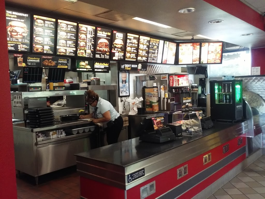Carls Jr. - restaurant  | Photo 6 of 10 | Address: 1410 W Colony Rd, Ripon, CA 95366, USA | Phone: (209) 599-9222