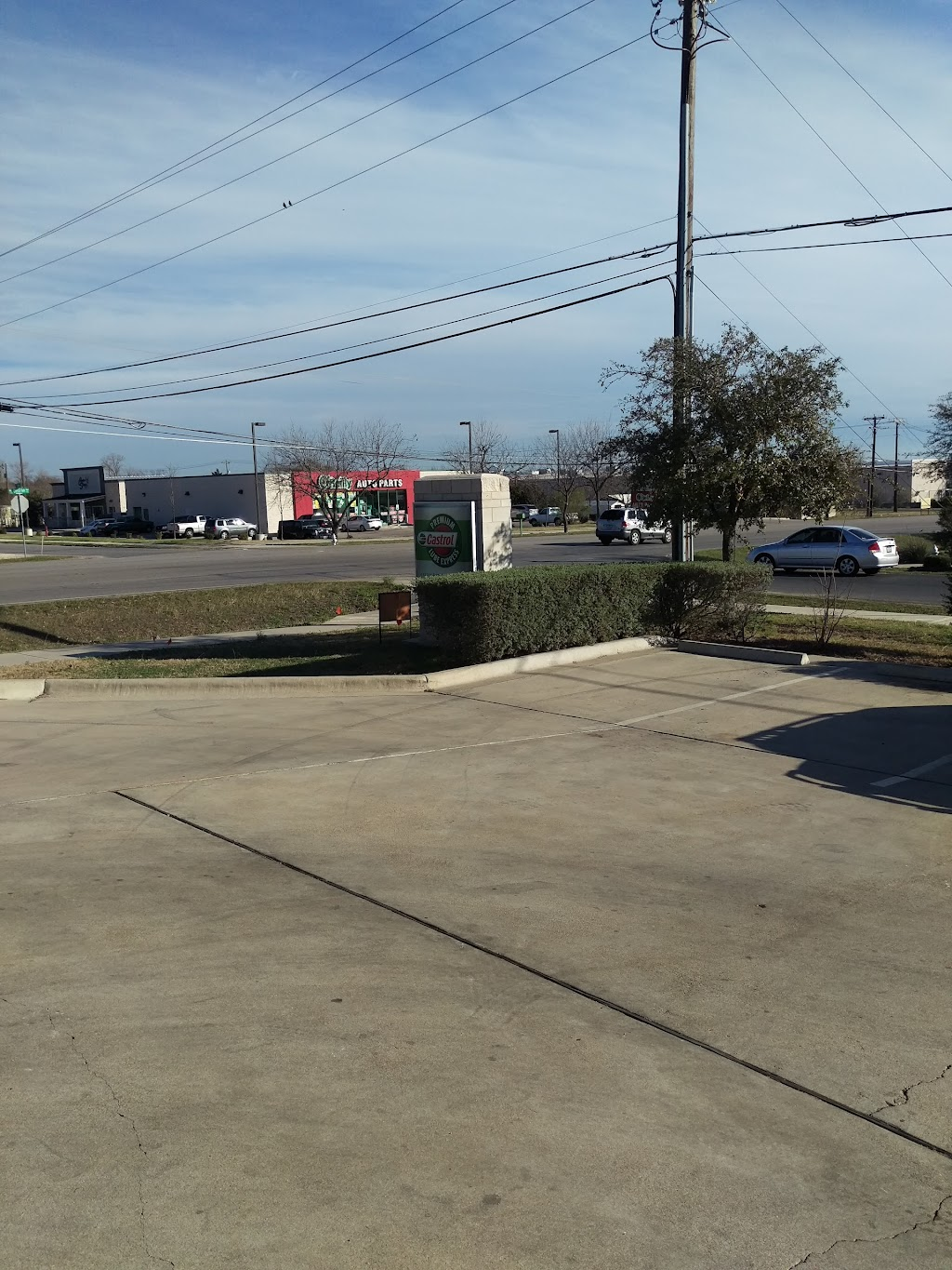 Castrol Premium Lube Express - car repair  | Photo 9 of 10 | Address: CPLE, 400 Crystal Falls Pkwy STORE # 1566, Leander, TX 78641, USA | Phone: (512) 528-1514