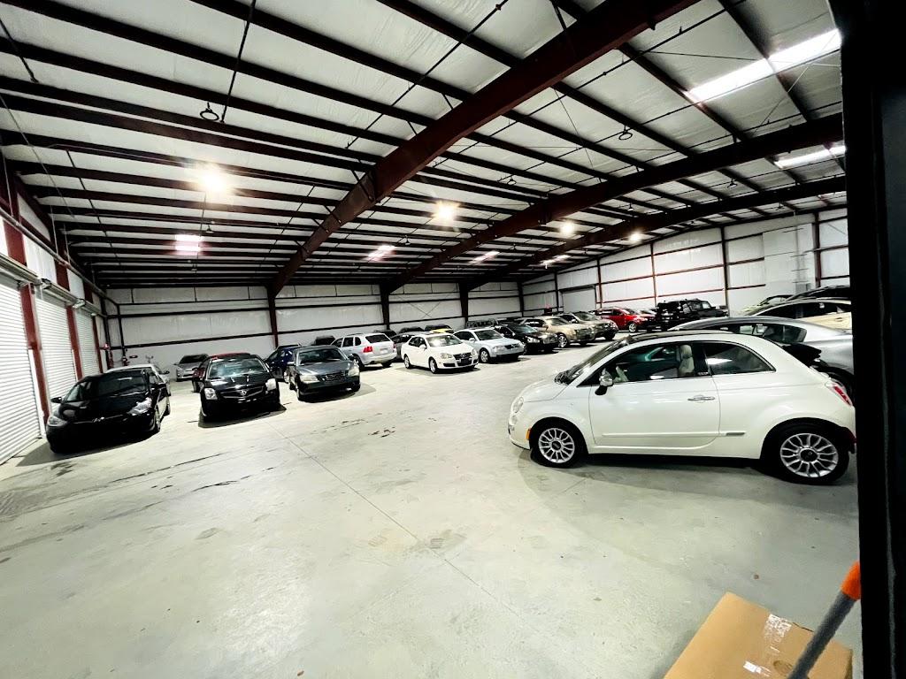Texas Drive Auto Dealer - car dealer  | Photo 9 of 10 | Address: 10511 Olympic Dr, Dallas, TX 75220, USA | Phone: (214) 272-3098