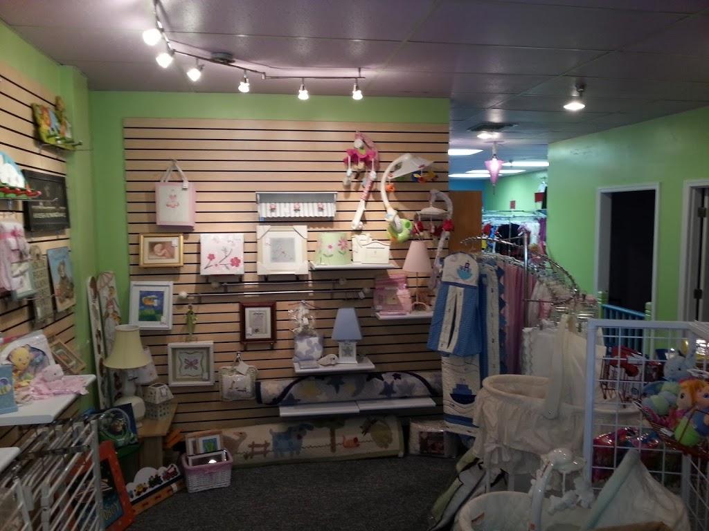 Iddy Biddy Fashions - clothing store    Photo 8 of 8   Address: 2000 Park Pl Dr Suite 106, Washington, PA 15301, USA   Phone: (724) 470-9116