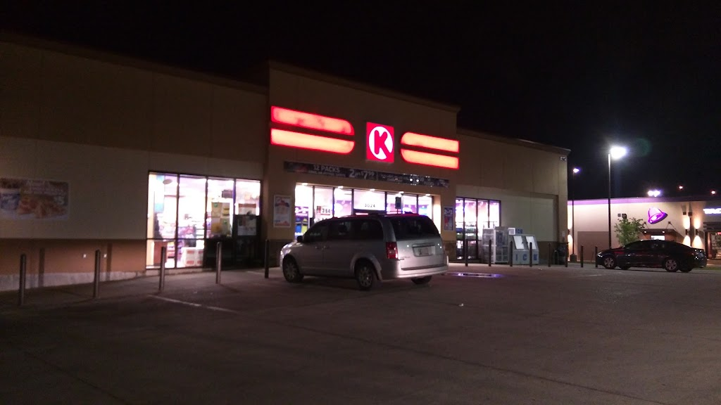 Circle K - convenience store  | Photo 1 of 3 | Address: 3024 S Classen Blvd, Norman, OK 73071, USA | Phone: (405) 364-1311